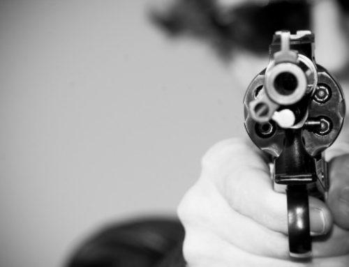 Ha pisztolyt tartanának a fejedhez…